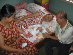 Nadira Bersama Mamah Dewi, Yangkung & Yangti Madiun