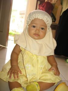 Nadia Akhwat Kecil Desember 2006