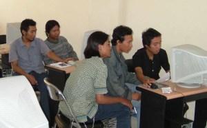 Suasana Belajar di Laboratorium