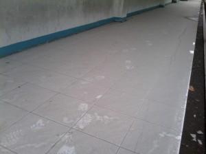 Abu Tebal di Teras Gedung 2 FTI